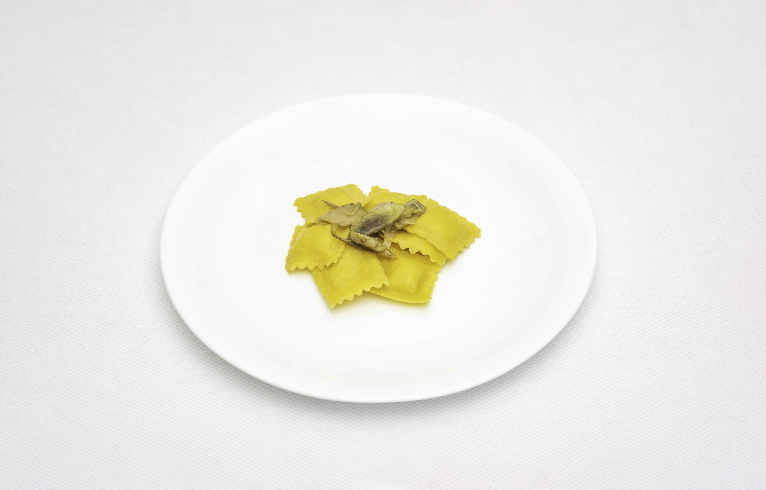 Pastifico-La-Fenice-pastificio-Cesenatico-pasta-fresca-pasta-surgelata-pasta-artigianale-Emilia-Romagna-Ravioli-Squacquerone-con-salsa-ai-carciofi