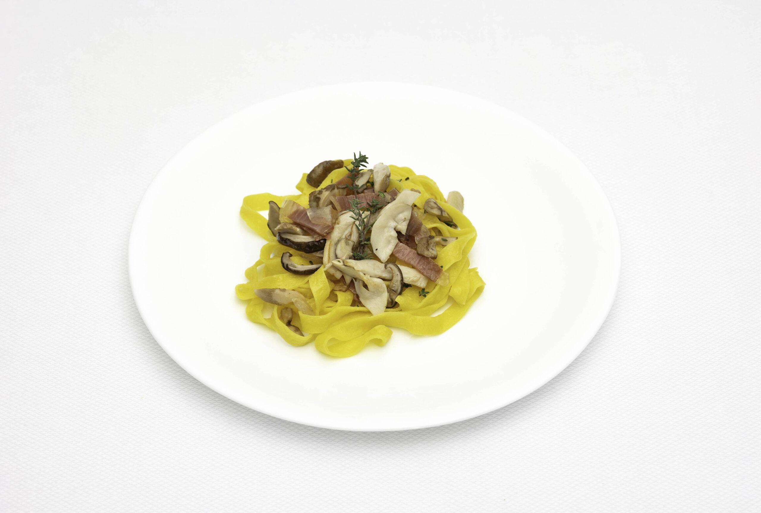 Pastifico-La-Fenice-pastificio-Cesenatico-pasta-fresca-pasta-surgelata-pasta-artigianale-Emilia-Romagna-Tagliatelle-porcini-guanciale