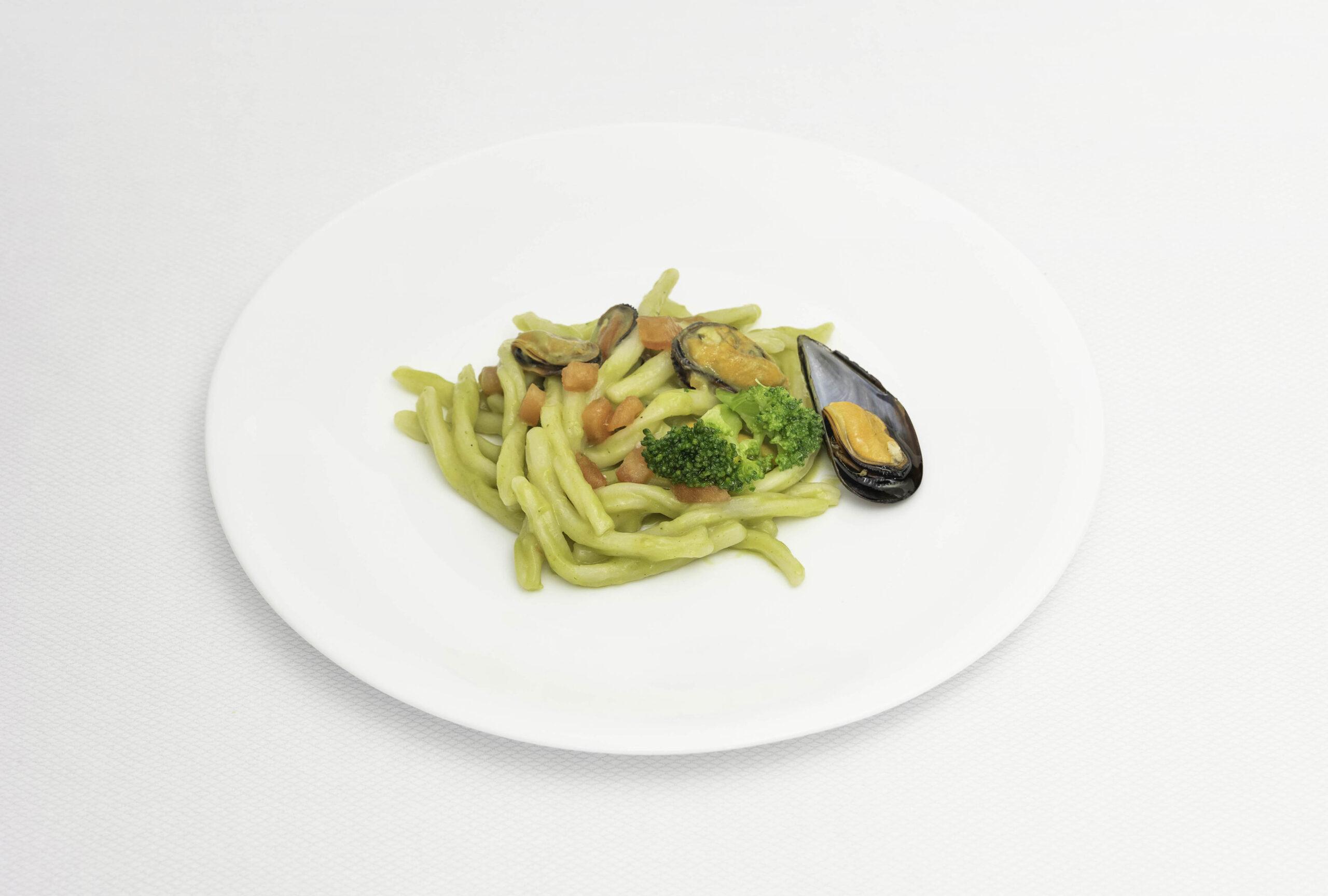 Pastifico-La-Fenice-pastificio-Cesenatico-pasta-fresca-pasta-surgelata-pasta-artigianale-Emilia-Romagna-strozzapreti-cozze-broccoli